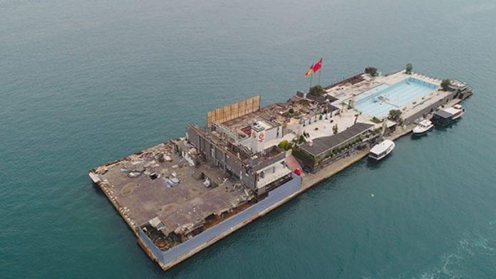 Galatasaray Adası Enkaz Halinde
