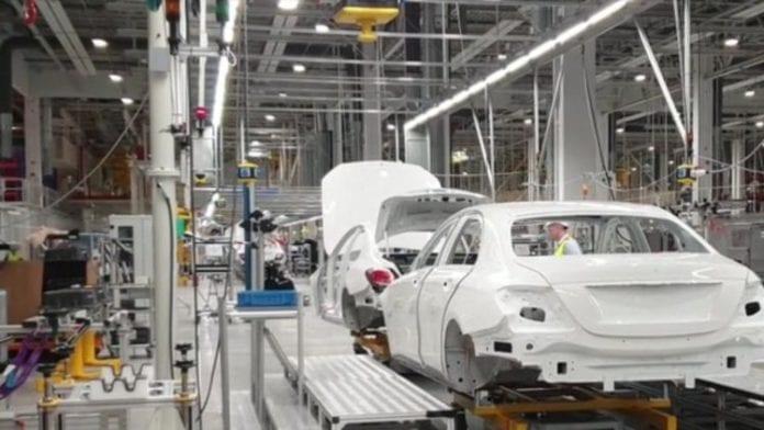 Mercedes, Rusya'daki İlk Fabrikasını Açıyor