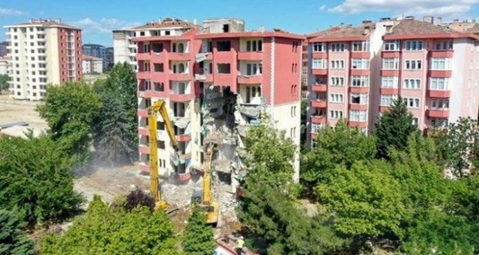 Okmeydanı'nda Kentsel Dönüşüm İçin İlk Kazma Kasım'da Vuruluyor!