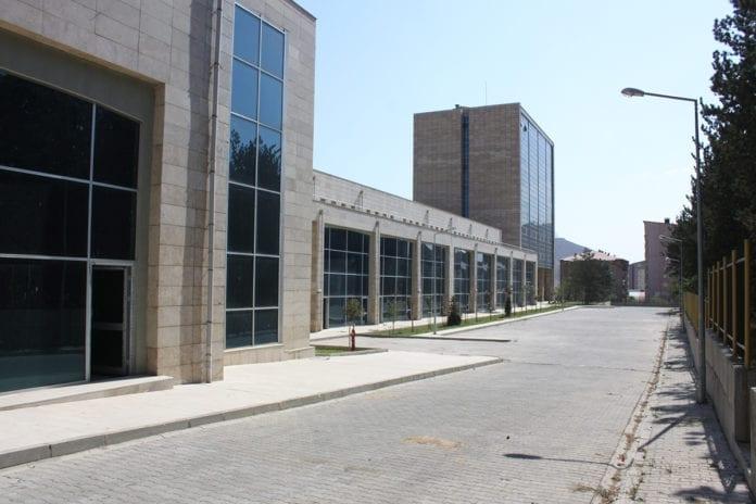 TOKİ'den Mardin'e 72 Dükkanlı Ticaret Merkezi!