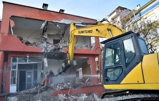 Riskli Bina Yerine Eğitim Binası!